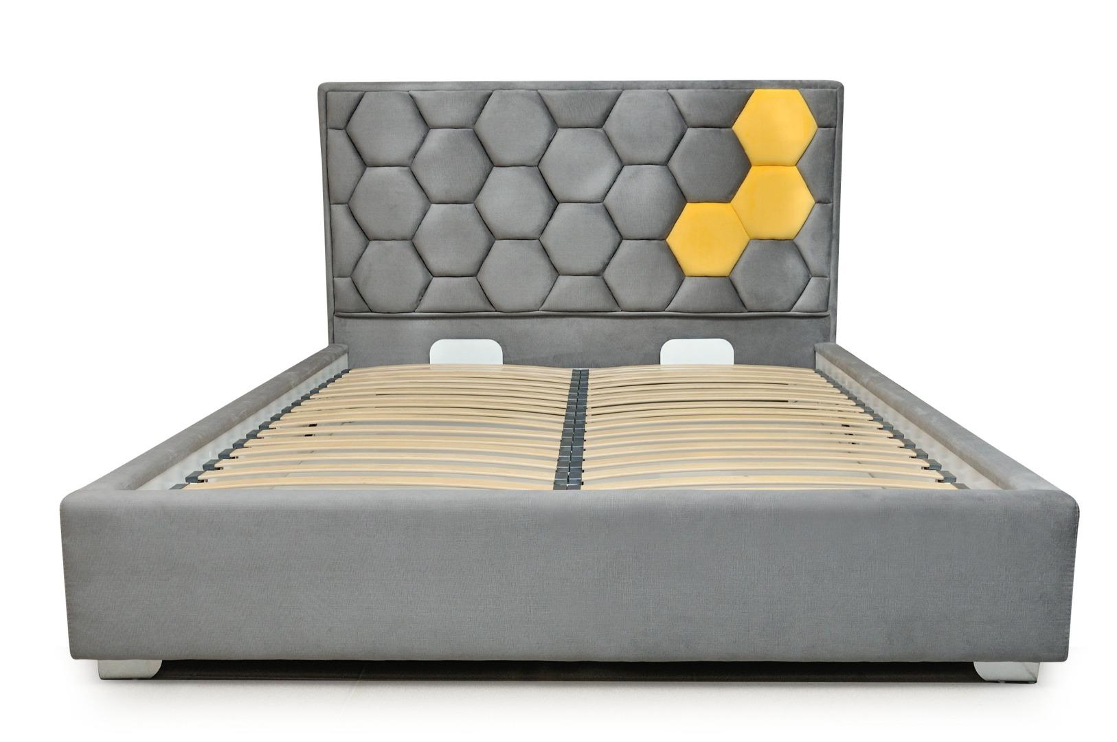 На фото № 4 Кровать Соты