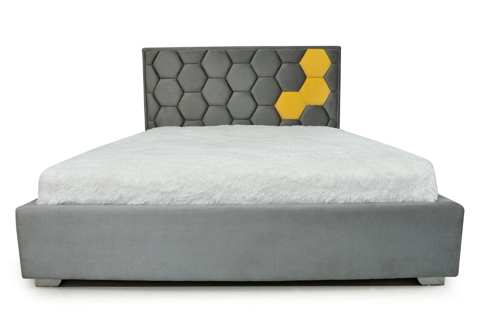 На фото № 2 Кровать Соты